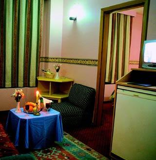 Istanbul hotels otel seranda in istanbul cheap hotels for Aksaray hotels