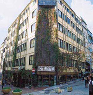 Istanbul hotels eyfel oteli in istanbul cheap hotels for Istanbul family suites laleli